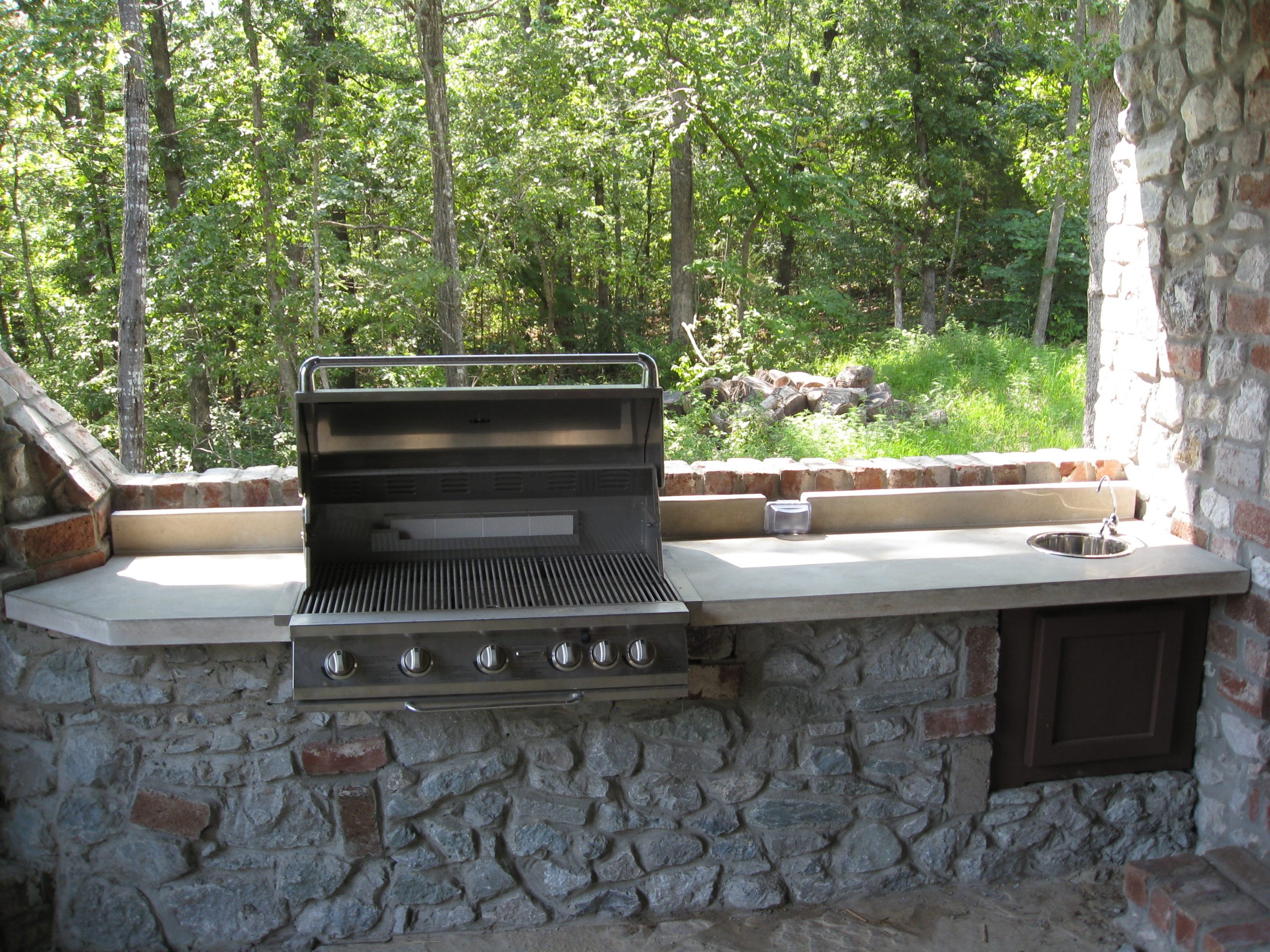concrete outdoor kitchen poured outdoor kitchen grill in concrete concreteoutdoorkitchen concrete creations nwa